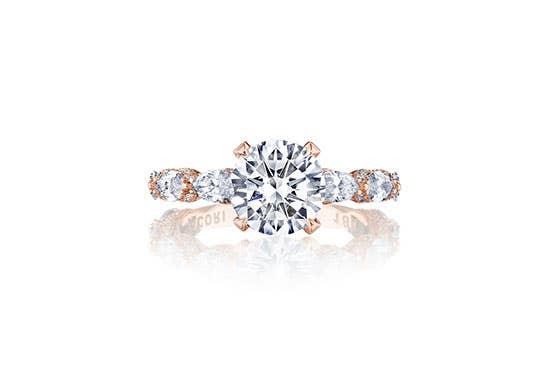 RoyalT engagement ring with round cut diamond